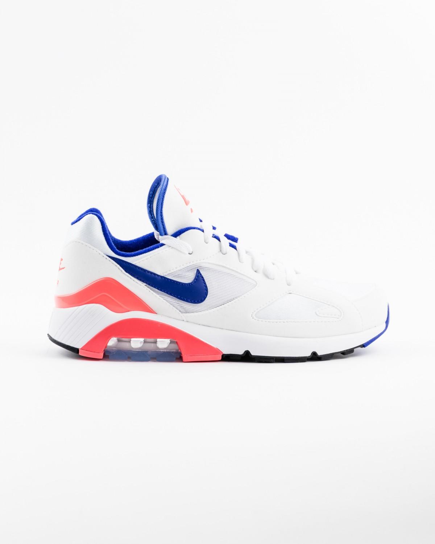 Au cours des dernières décennies, Nike est devenu le leader mondial du sportswear, des chaussures et des équipements sportifs. Plus qu'une marque, ...