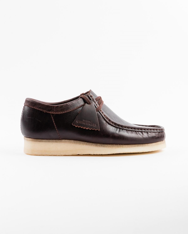 867a5f0c5f3c3c Le style et la qualité de leurs modèles sont connus de tous et leurs  emblématiques Desert Boots ou Wallabees sont devenus des classiques  intemporels.